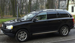 XC90 - zdecydowanie wygląda na luksusowego SUV-a